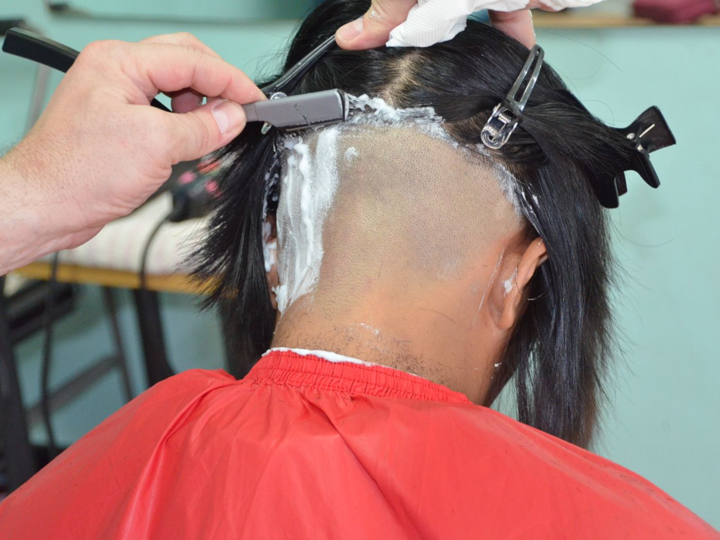 haircut  EnglishSpanish Dictionary  WordReferencecom